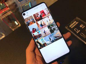 Màn hình infinity-O Samsung Galaxy A8s