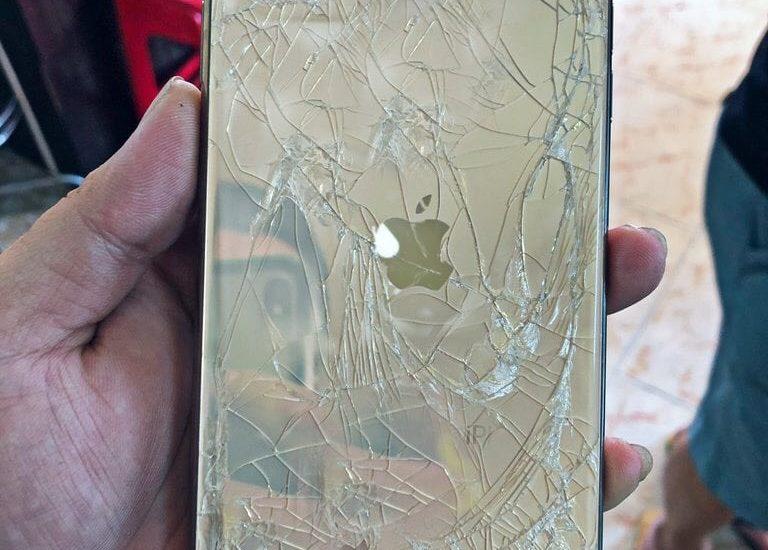thay mặt lưng iphone 11